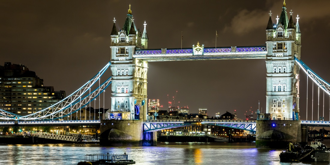 7 Christmas River Cruises in the UK